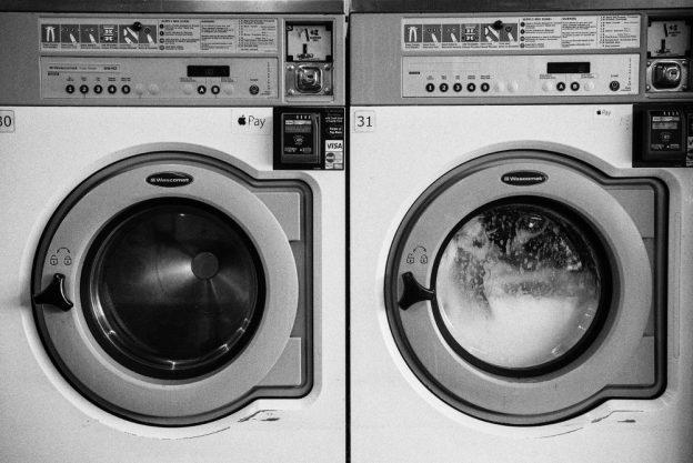 machine à laver avec hublot